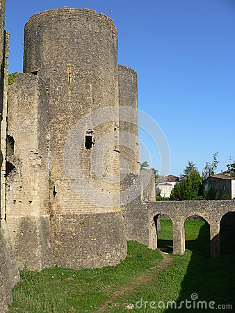 Chateau de Villandraut ( France )