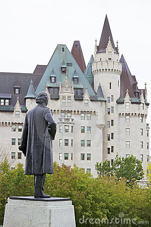 Free Chateau Laurier Royalty Free Stock Photography - 21434147