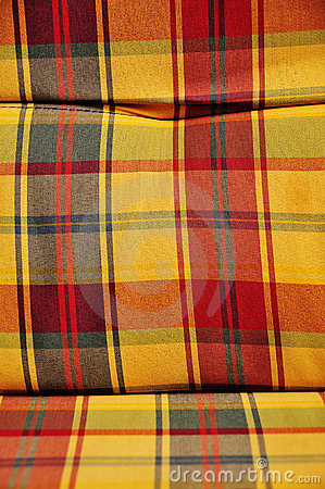 Checkered cushioned textile