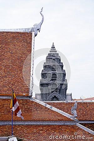 Chedi at wat- Phnom Penh, Cambodia