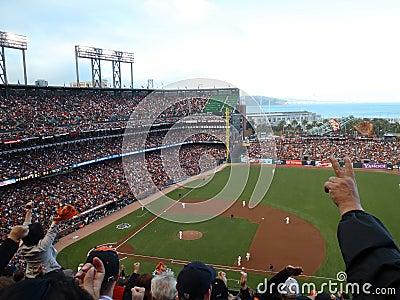 Cheer van ventilators voor inning die strikeout beëindigt Redactionele Stock Afbeelding