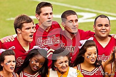 Cheerleading Squad för Seminole Redaktionell Arkivbild