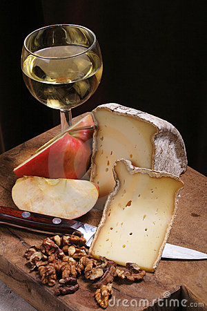 Free Cheese And Wine Stock Photo - 3198500