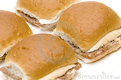 Cheeseburgers hamburgerów mini cebule