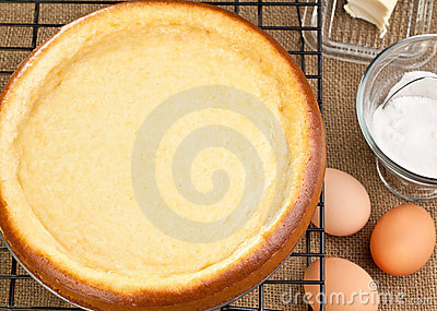 Cheesecake with it s ingredients