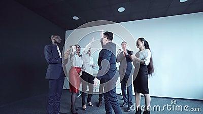 Chef- gelukwensend team stock footage