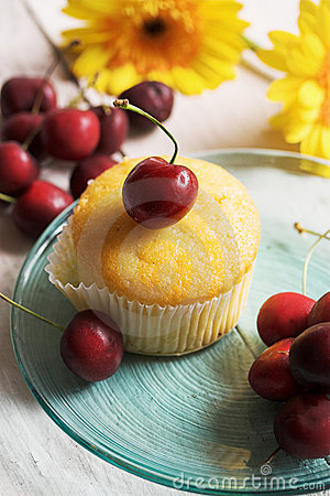 Free Cherries And Muffin Royalty Free Stock Photo - 2727095