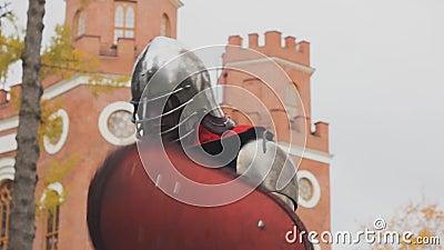 Chevalier posant la garde chevalerie protection courageux pouvoir clips vidéos