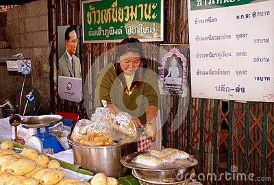 Chiang Mai, TH: Thai Food Seller Editorial Stock Photo