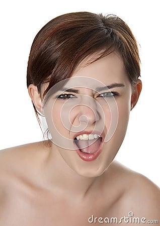 Chica joven que grita