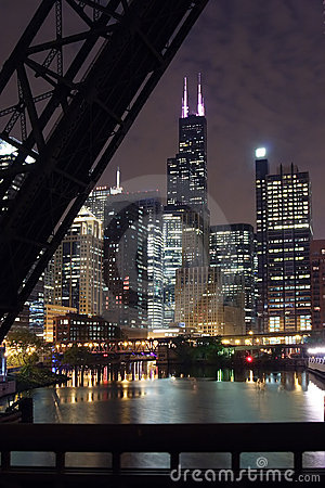 Free Chicago City Night View - From A Bridge Over The Chicago River Royalty Free Stock Images - 1017579