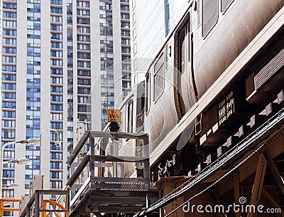 Chicago Orange line train on Loop