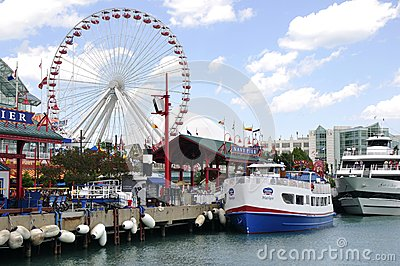Chicago s Navy Pier Editorial Photo