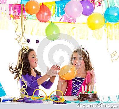 los nios felices con los globos en el feliz cumpleaos van de fiesta foto de archivo imagen with fiestas de cumpleaos nios