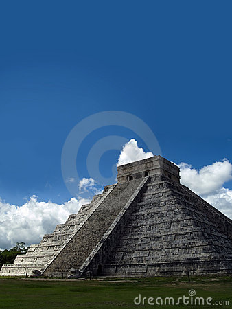 Free Chichen Itza Royalty Free Stock Images - 2882419