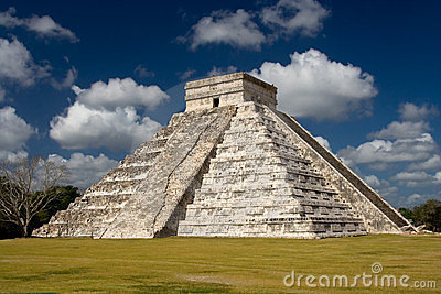 Chichen Itza - El Castillo (Kukulkan) Near Cancun