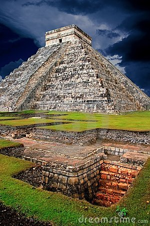 Free Chichen Itza Kukulcan Mayan Pyramid El Castillo Stock Photos - 18811463