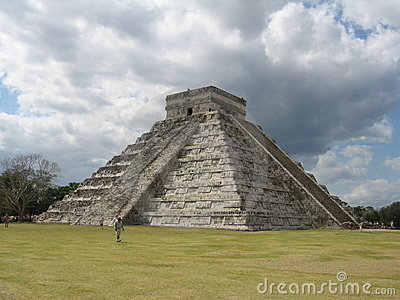 Chichen Itza Pyramid View