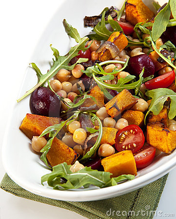 Free Chick Pea And Vegetable Salad Royalty Free Stock Image - 14855956