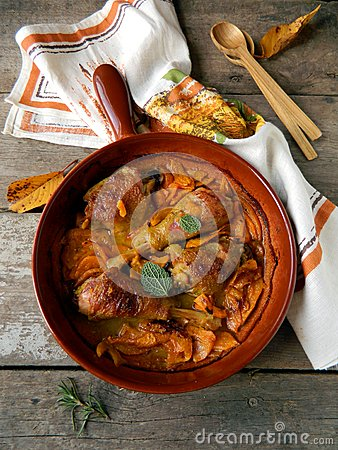 Chicken baked with pumpkin and sage