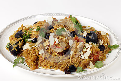Chicken kabsa on a serving plate