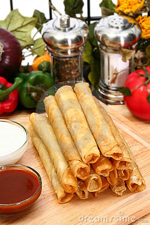 Free Chicken Taquitos Royalty Free Stock Photos - 5484418