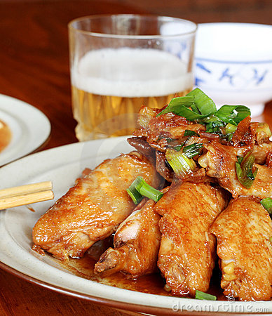 Free Chicken Wings And Beer Stock Image - 4884721