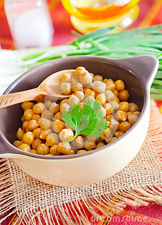Free Chickpeas Royalty Free Stock Image - 28270426