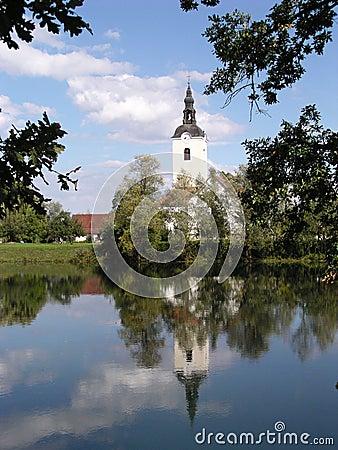 Chiesa e fiume (Slovenia)