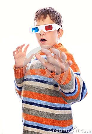 Child in 3d glasses