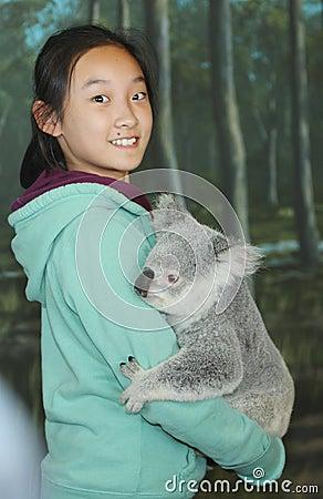 Child with collar ktranslitk