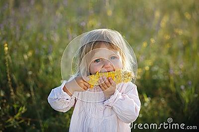 Child, corn
