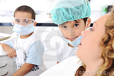 Child Dentists teeth checkup