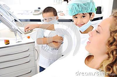 Child Dentists teeth checkup
