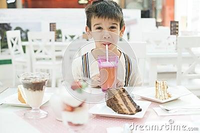 Child drink lemonade