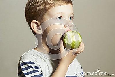 strange green fruit is eating fruits for dinner healthy