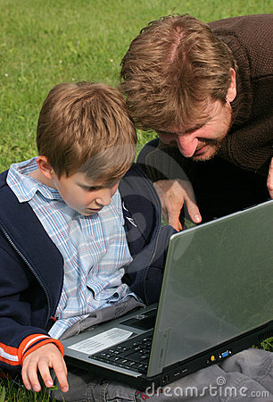 Child, fahter, laptop