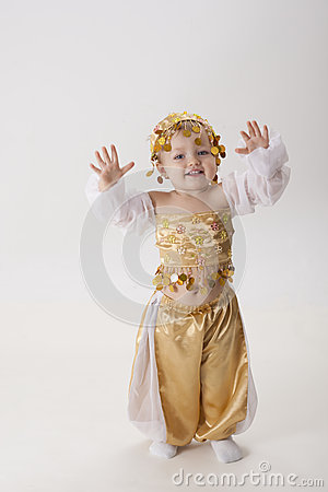 Child forms the eastern dancer
