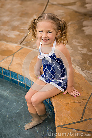 Free Child Girl Pool Swimsuit Stock Photography - 39928532