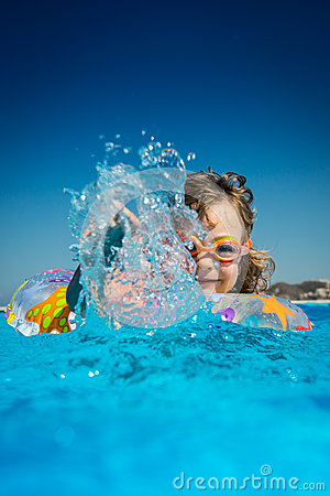 Free Child In Swimming Pool Stock Photo - 40542780