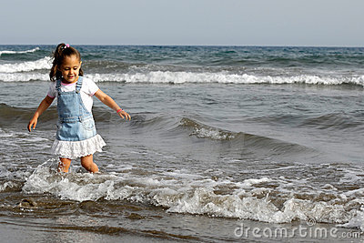 Child and ocean