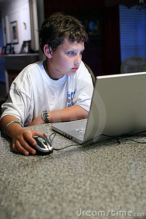 Free Child On Computer Royalty Free Stock Photo - 2168505