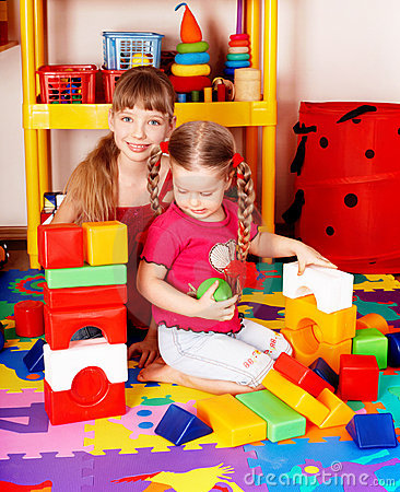 Child play block and construction set .