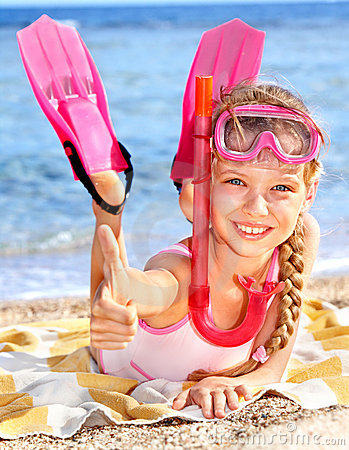 Free Child Playing On  Beach. Royalty Free Stock Photo - 18216665