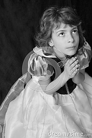 Child praying to God