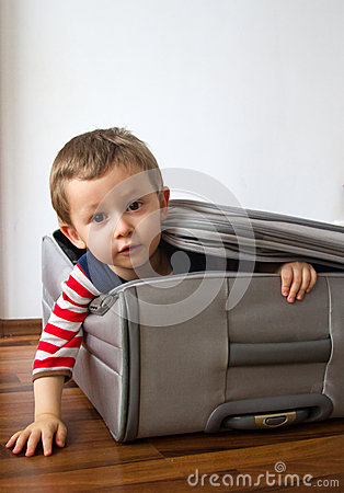 Free Child Ready To Travel Royalty Free Stock Photography - 38631487
