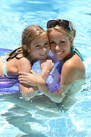 Free Child Swimming Pool Royalty Free Stock Photography - 4735607