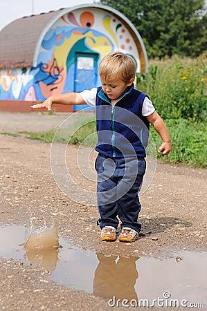 small boy throwing stone க்கான பட முடிவு