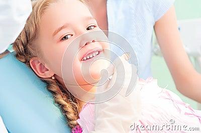 Child visits a dentist