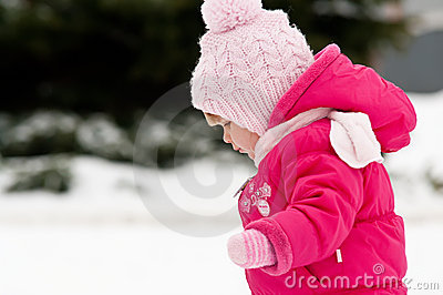 Child walk in snow